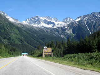 Rogers Pass Summit Sign, with videw of stunning Mountains